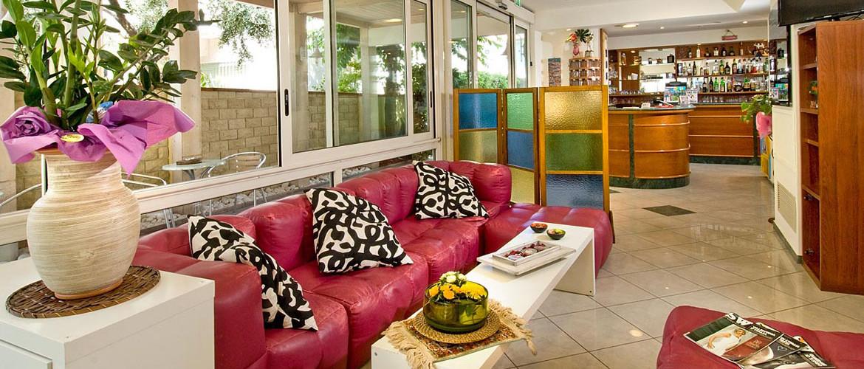 Prenota i prezzi pi bassi su hotel locanda rosy 2 for Acquario aperto prezzi